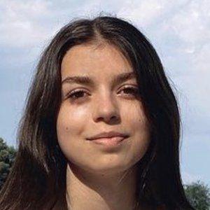 Lara García Headshot 4 of 10