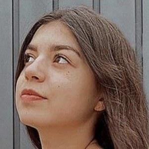 Lara García Headshot 8 of 10