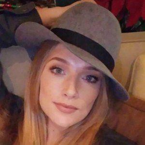 Lara Sebastian 4 of 5