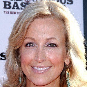 Lara Spencer 2 of 10