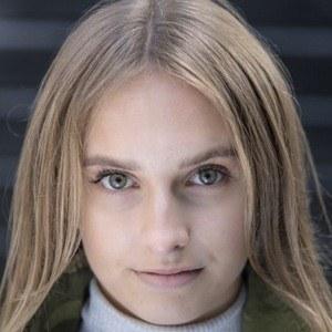 Lara Wollington 3 of 3