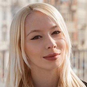 Larissa Guerrini 2 of 6