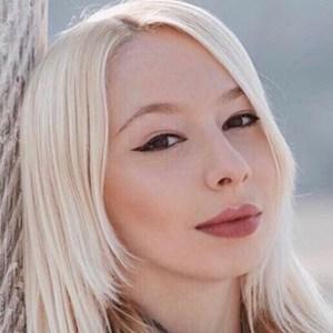 Larissa Guerrini 5 of 6