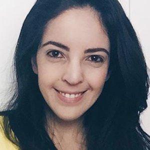 Larissa Vale 3 of 6