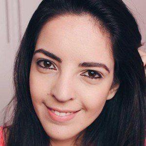 Larissa Vale 4 of 6