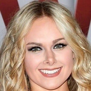 Laura Bell Bundy 4 of 10