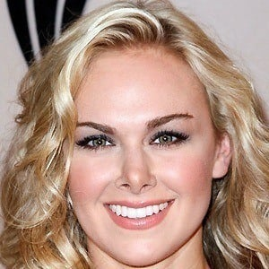 Laura Bell Bundy 5 of 10