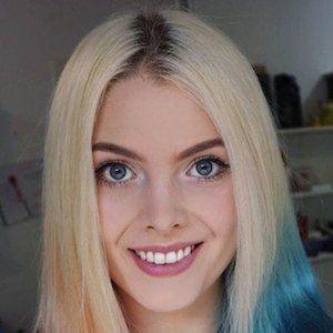 Laura Gilbert 2 of 7