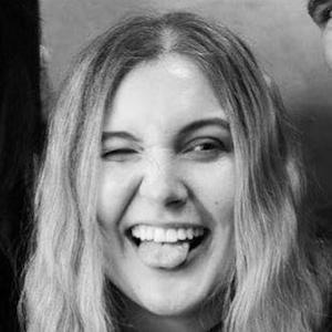 Laura Hohmann 6 of 7