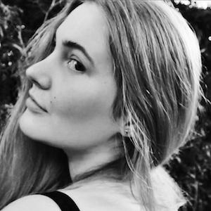 Laura Hohmann 7 of 7