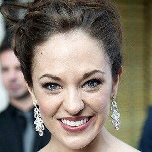 Laura Osnes 2 of 5