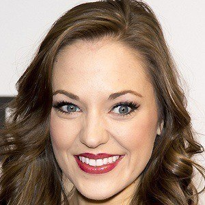 Laura Osnes 3 of 5