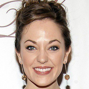 Laura Osnes 4 of 5