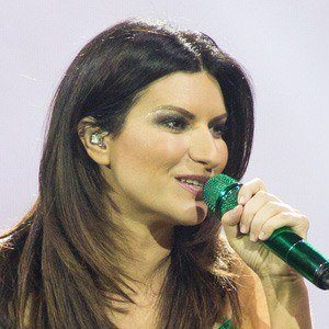 Laura Pausini 2 of 8