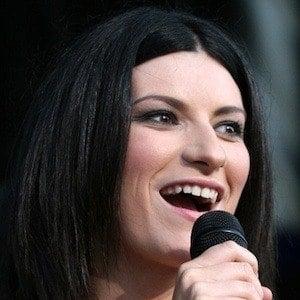 Laura Pausini 7 of 8