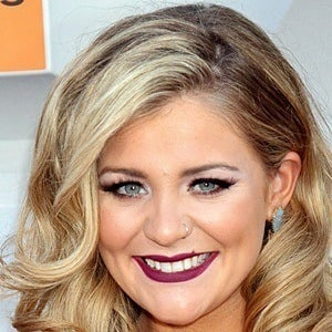 Lauren Alaina 7 of 10