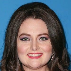 Lauren Ash 5 of 10