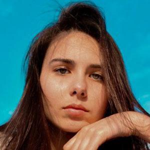 Lauren Brodauf 3 of 4