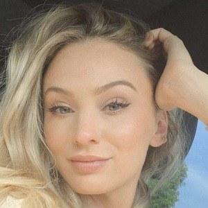 Lauren Bushnell Lane Headshot 6 of 10