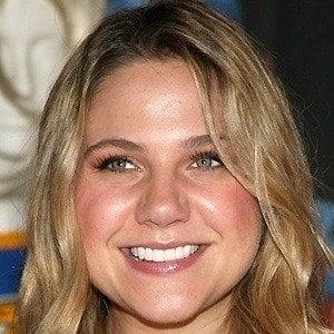 Lauren Collins 2 of 6