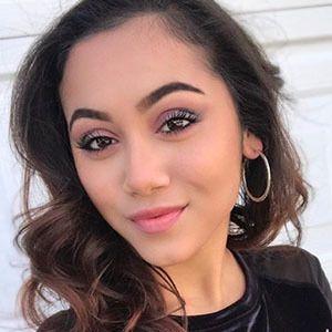Lauren Elly 4 of 6