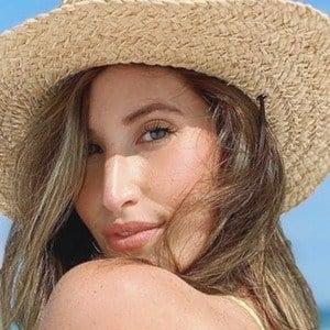 Lauren Paley Headshot 7 of 10