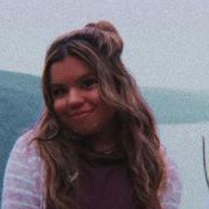 Lauren Ramos Headshot 9 of 10