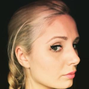 Lauren Southern 5 of 10