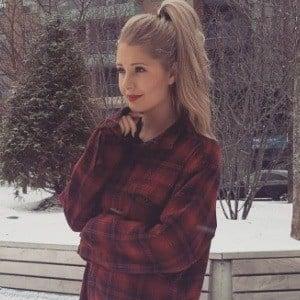 Lauren Southern 7 of 10