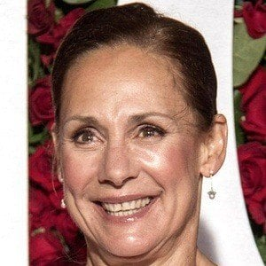 Laurie Metcalf 7 of 9