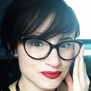 Laurie Penny 5 of 7
