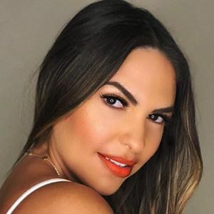Lea Montes 4 of 6