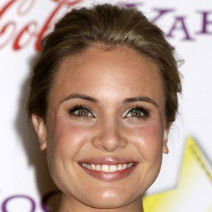 Leah Pipes 5 of 5