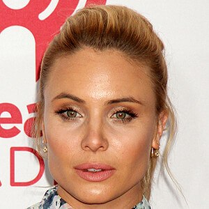 Leah Pipes 8 of 9