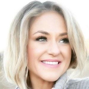 Leah Turner 6 of 6