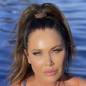LeeAnne Locken Headshot 8 of 10