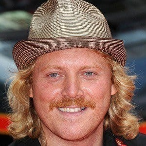 Leigh Francis 5 of 10