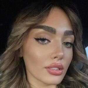 Leila Bauer 5 of 10