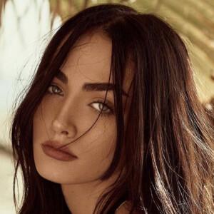 Leila Bauer 8 of 10