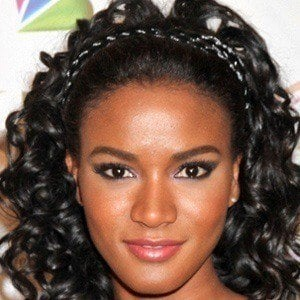 Leila Lopes 3 of 5