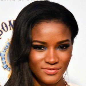 Leila Lopes 4 of 5