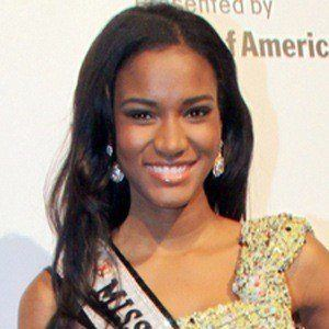 Leila Lopes 5 of 5