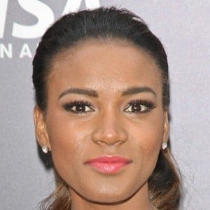 Leila Lopes 6 of 6