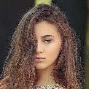 Lena Kociszewska 2 of 3