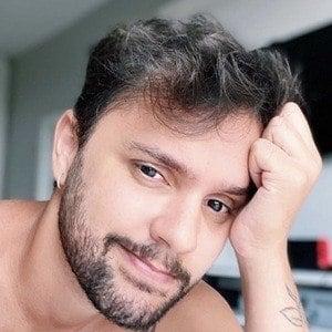 Leo Costa 2 of 6