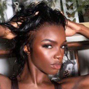 Leomie Anderson 6 of 10