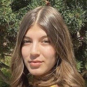 Lesley Gonzalez Headshot 5 of 8