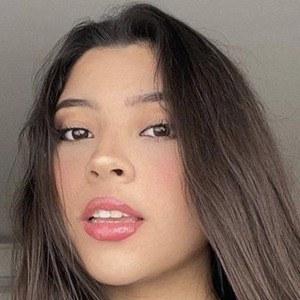 Leslie Gallaga Headshot 4 of 6