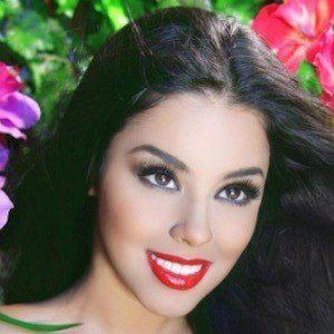 Leticia Castro 7 of 10