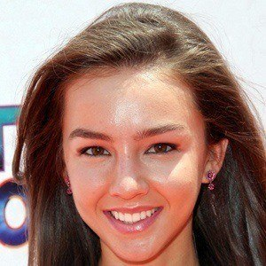 Lexi Ainsworth 3 of 9